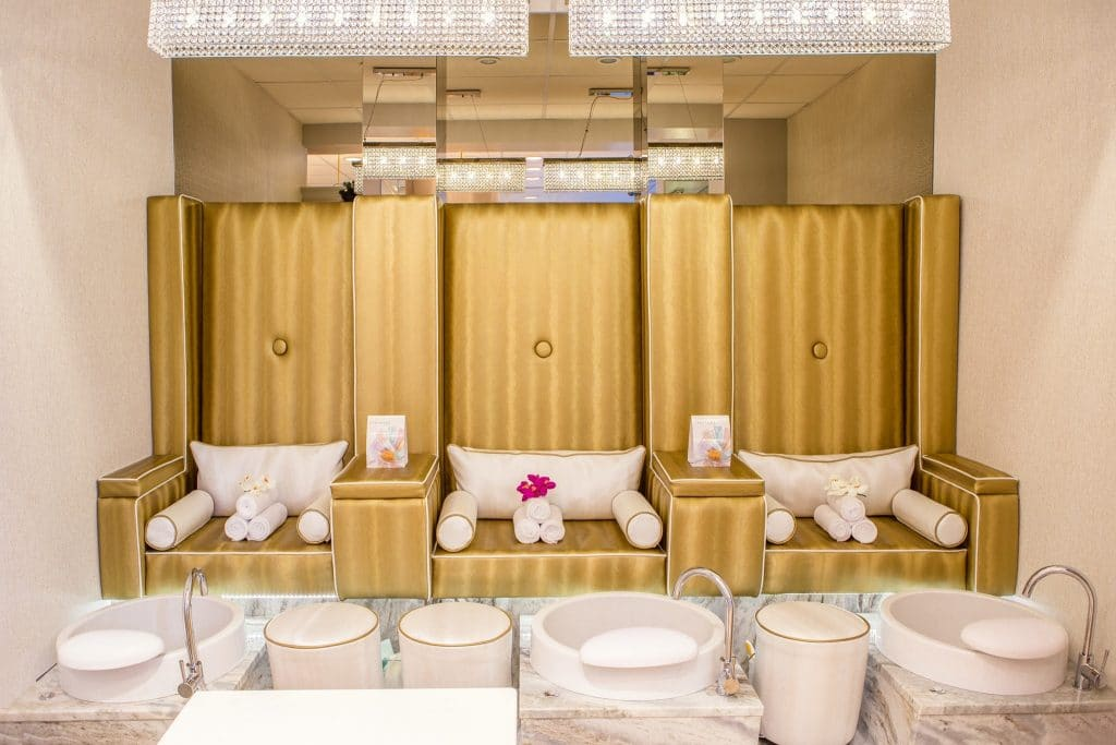 Modern salon interieur om salon te onderscheiden van de concurrent.